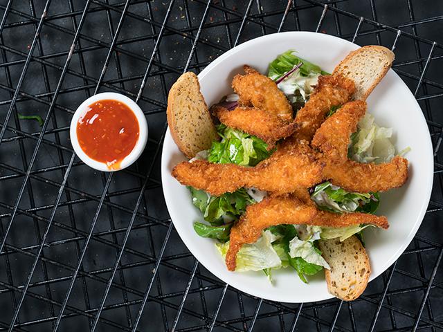 Tavuk Schnitzel Salata