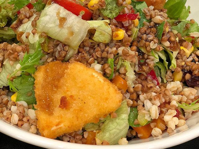 Sebzeli Karabuğday Salatası
